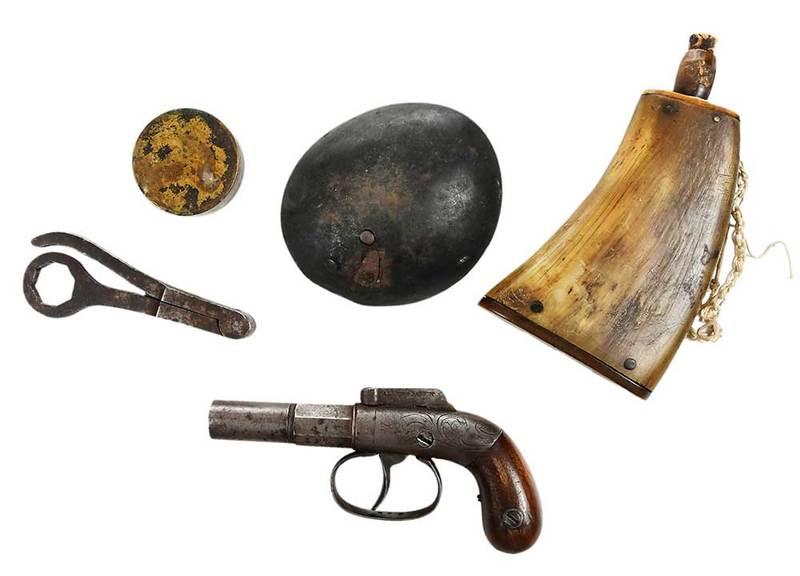 Allen & Thurber Pocket Pistol and Accessories