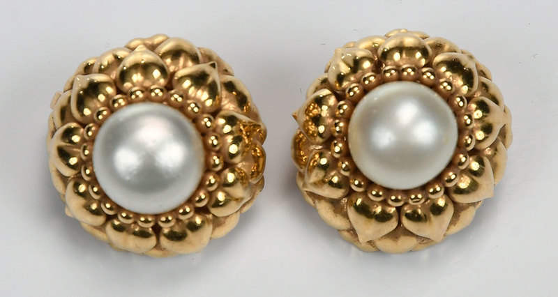 18kt. Pearl Earrings