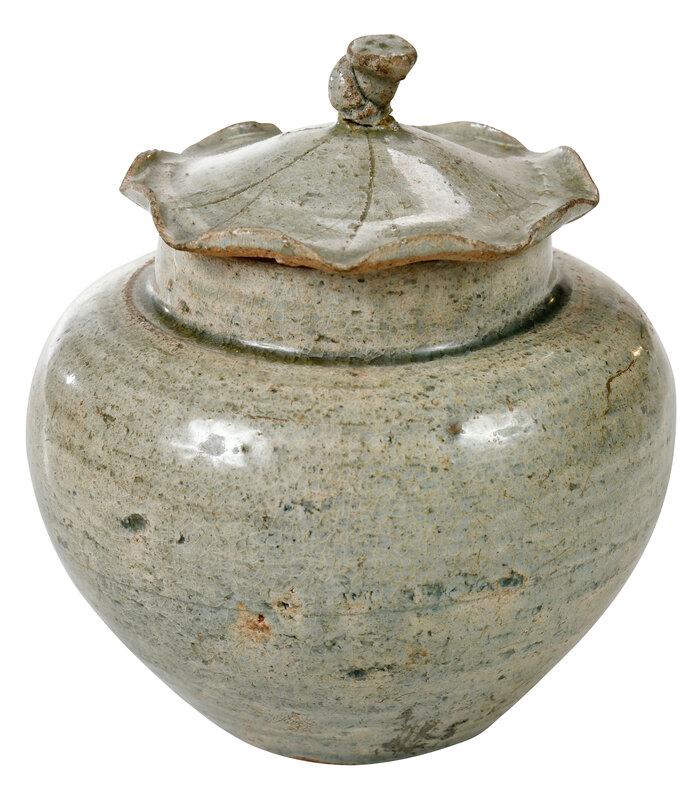 Chinese Green Glazed Lidded 'Lotus' Jar