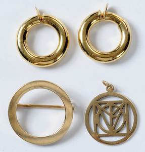 Three Pieces Gold Jewelry