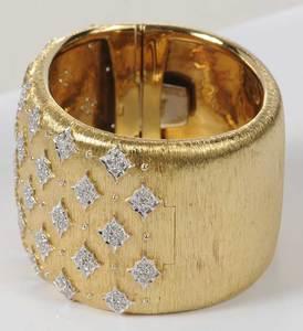 18kt. Diamond Hinged Bracelet