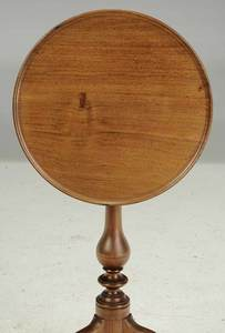 Queen Anne Style Walnut Dish Top Candlestand