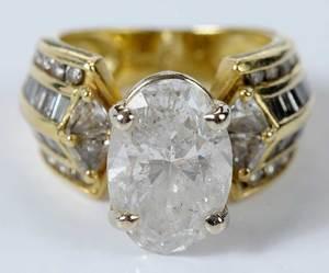 18k. Diamond Ring