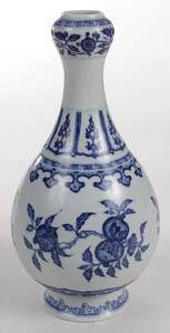 Garlic Head Vase with Blue and White Decoration