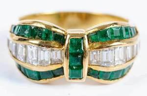 18kt. Diamond & Emerald Ring