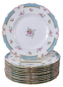12 Royal Doulton Lowestoft Pattern Plates