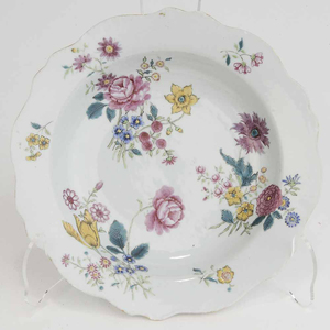 Chinese Porcelain Famille Rose Soup Plate