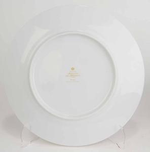 Set Twelve Dinner Plates Gold Band