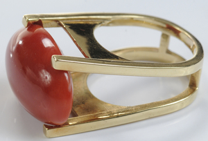 18kt. Contemporary Coral Ring