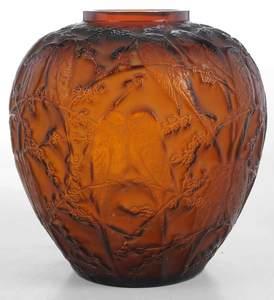 R. Lalique Perruches Vase