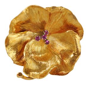 14 Karat Yellow Gold Flower Pin*