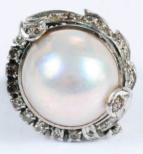 10kt. Pearl & Diamond Ring