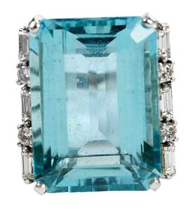 18kt. Aquamarine & Diamond Ring