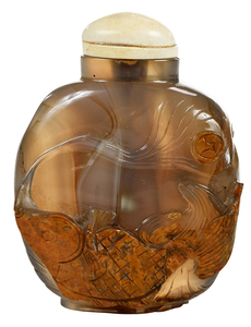 Banded Agate Snuff Bottle With Carp