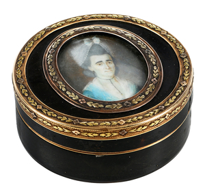 Round Box With 18kt. Mounts and Painted Figure