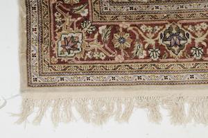 Ivory Field Persian Rug