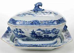 Chinese Export Cobalt Blue Tureen