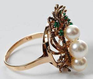 14kt. Emerald and Pearl Ring