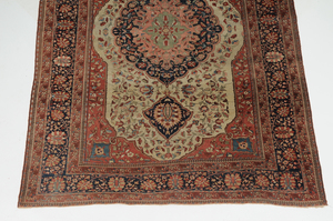 Antique Ivory Field Sarouk Carpet