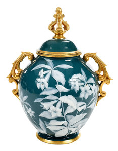 Worcester Pâte-Sur-Pâte Covered  Urn