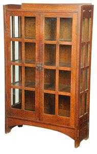 Gustav Stickley Arts and Crafts China Cabinet