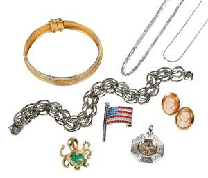 Eight Pieces Assorted Jewelry