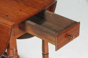 American William and Mary Walnut Gate-Leg Table