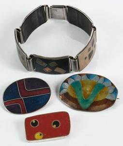 Four Pieces Enamel Jewelry