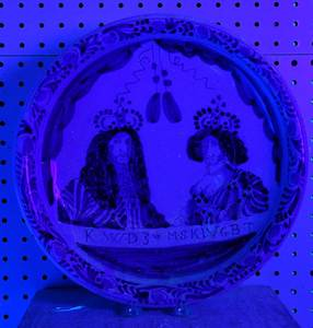 William and Mary Delft Blue and White Charger