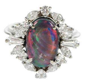 18kt. Opal and Diamond Ring
