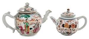 Two Chinese Export Lidded Tea Pots