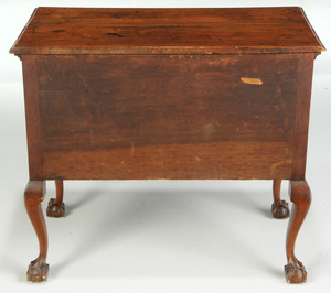 Fine American Chippendale Walnut Dressing Table