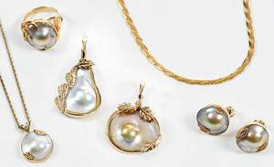 Five Pieces 14kt. Gold Blister Pearl Jewelry