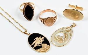 Five Pieces Gold Jewelry