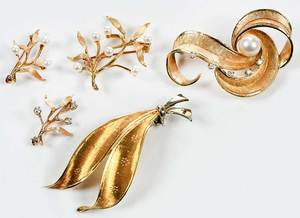 Five Pieces Retro Gold, Pearl & Diamond Jewelry