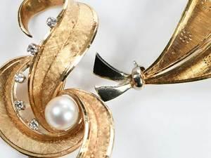 Five Pieces Retro Gold, Pearl & Diamond Jewelry