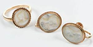 14kt. Gold Mother of Pearl Set