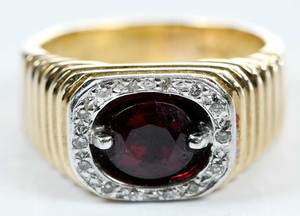 14kt. Gold, Garnet & Diamond Ring