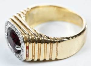 14kt. Gold, Garnet & Diamond Ring
