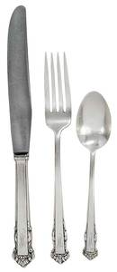 Lunt English Shell Sterling Flatware, 114 Pieces