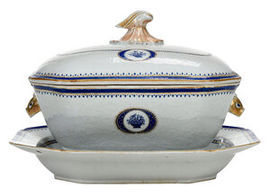 Chinese Export Covered Tureen and Underplate