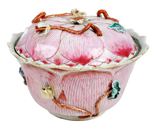 Chinese Lidded Famille Rose Porcelain Lotus Jar