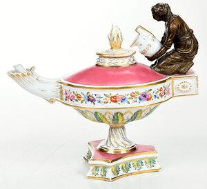 Old Paris Figural Aladdin Form Oil Lamp