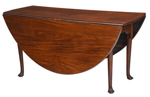 Queen Anne Figured Mahogany Drop Leaf Table