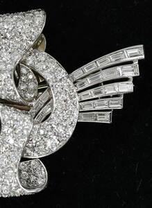 Art Deco Platinum, 18kt. Diamond Brooch