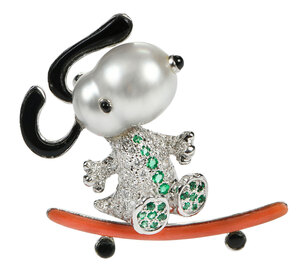 18kt. Gemstone Snoopy Brooch