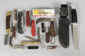 Eighteen Assorted Knives