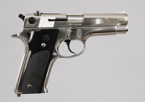 Smith & Wesson Model 59 Semi Auto Pistol