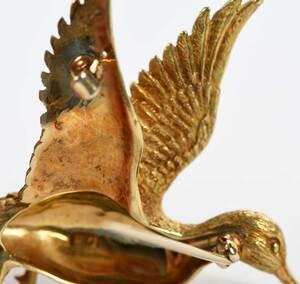 18kt. Duck Brooch